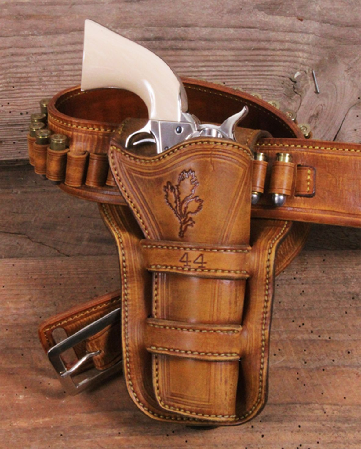 The most beautiful and practical crossdraw holsters on the market